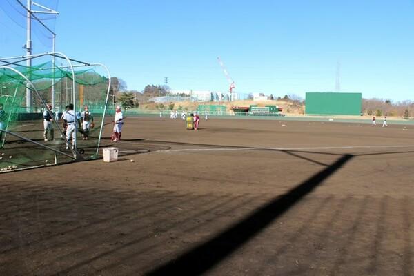 2017年は200名を超える部員が汗を流す桜美林大野球部グラウンド