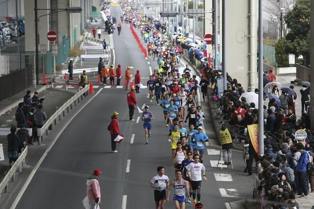 フラットで走りやすい神奈川マラソン。沿道の応援が多いのもモチベーションになります