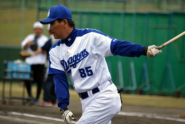 川崎宗則、本多雄一、安達了一らを育て上げた実績を持つ森脇コーチ