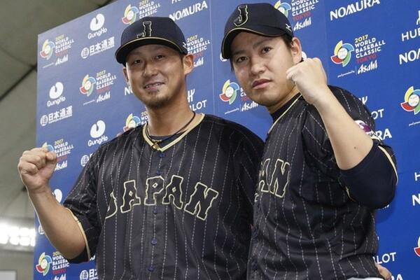 延長11回に勝ち越し打を放った中田(左)とお立ち台に上がった牧田。岩村氏は牧田の場数の差を感じたという