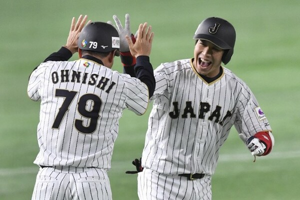久々の1番起用で1試合2本塁打と結果を出した山田