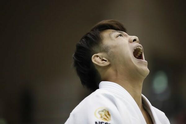 世界選手権代表に選ばれた19歳の阿部一二三。期待の選手から、日本のエースへ。五輪出場の夢へ向けて、日々成長を遂げている