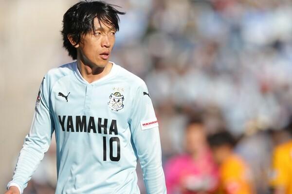 """第2節の仙台戦、俊輔は初の国内移籍後のホーム初戦に""""違和感""""を感じたという"""