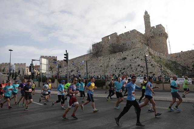 世界遺産、聖地エルサレムマラソンを走る 歴史深き石畳の市街コース…記憶に残るレースに