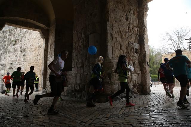 歴史あるエルサレム旧市街を走ることができるのもこのレースの醍醐味