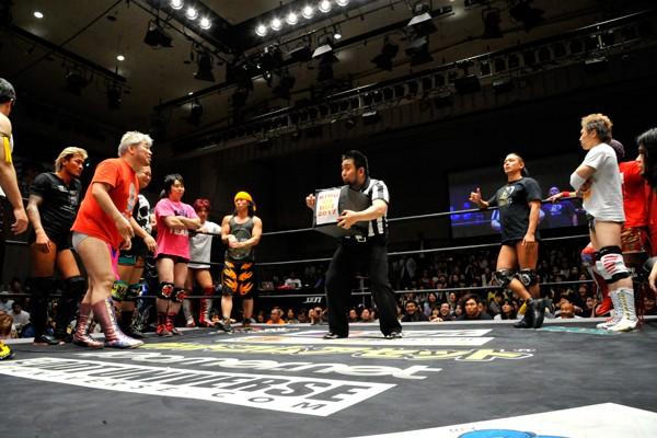 メイン終了後には「KING OF DDT」の組み合わせ抽選会も開催