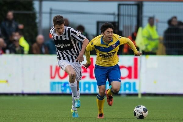 際は現在、オランダ2部リーグのドルトレヒトで中心選手として活躍している