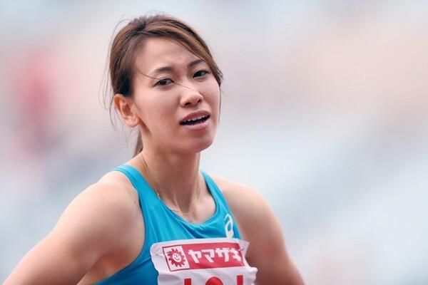 100メートルに続き200メートルでも連覇を逃し、厳しい表情を見せる福島