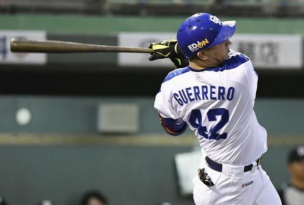 6試合連続本塁打などの活躍でセ・リーグの本塁打王争いをリードするゲレーロ