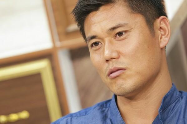 中学、高校と埼玉県選抜で共に切磋琢磨していたアナリストの千葉洋平氏が、川島永嗣に迫った