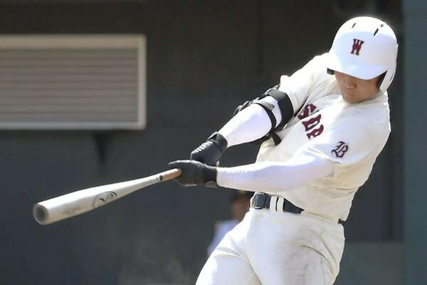 春の招待試合で高校通算100本塁打を達成した清宮