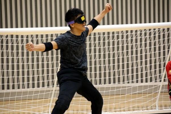 女子日本代表との実戦練習に参加した武井さん。ゴールを決めた際はガッツポーズを見せて喜んだ