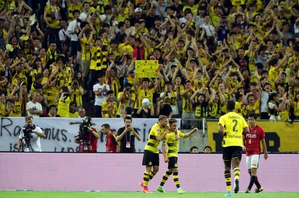 浦和との試合には多くのドルトムントファンが駆け付けた