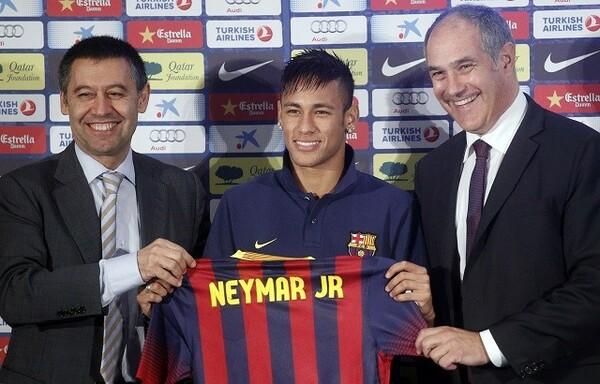 ネイマールはバルセロナにやってきた時と同様、さまざまな憶測を残してクラブを去った