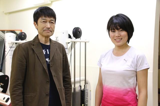 猫トレ講座に協力していただいた「ハイテクスポーツ塾」の中島進コーチ(左)と佐藤浩華さん