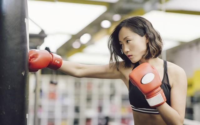 """ボクシング系レッスンで、心肺機能を強く! 肩甲骨が持つ""""本来の動き""""を目覚めさせよう!"""