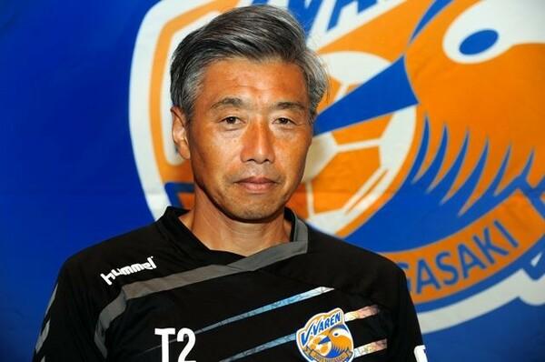 今季で5シーズン目となる高木琢也監督。ピッチ外の問題が山積する中で上位をキープ