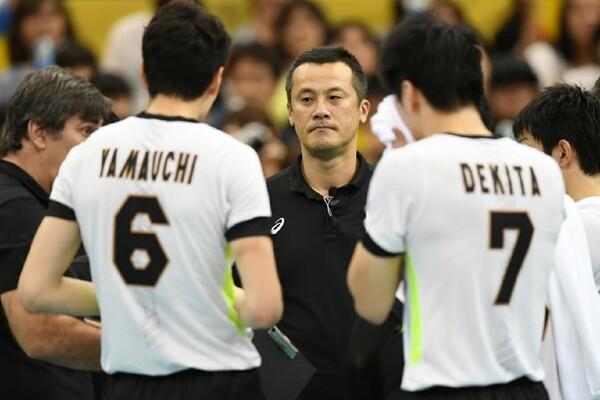 「基本技術の粗さ」も目立った日本。中垣内監督もブロックの対応を課題に挙げた