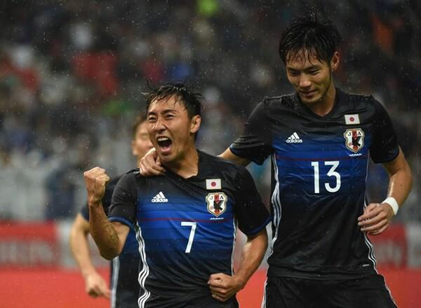 代表初ゴールを喜ぶ倉田。スタメン奪取、W杯出場とさらなる目標を掲げた