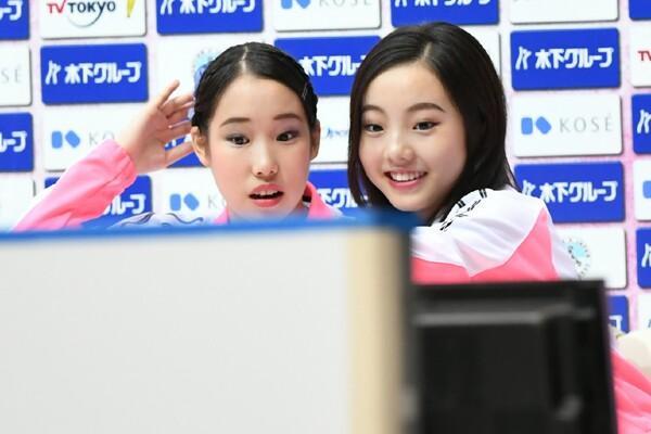 チームメートだった三原(左)とも実力差を見せ付けられた。ジャパンオープンを振り返り「悔しかった」と話す