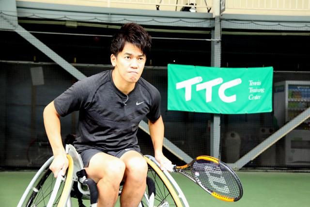 車いすテニスに挑戦した武井さん