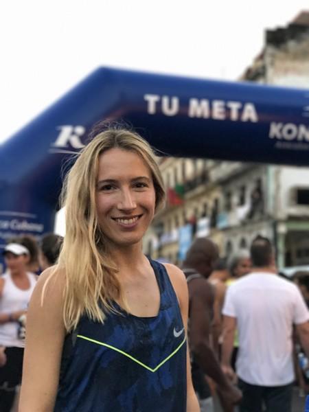 スタートエリアでも一際目立っていたスペインの美人ランナー。