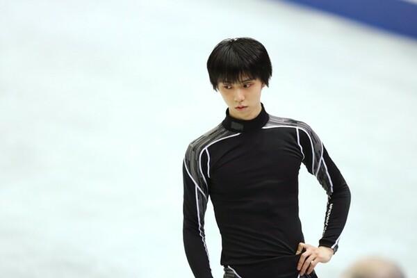 羽生はたとえ全日本選手権を欠場したとしても、平昌五輪代表に選出される可能性は高い