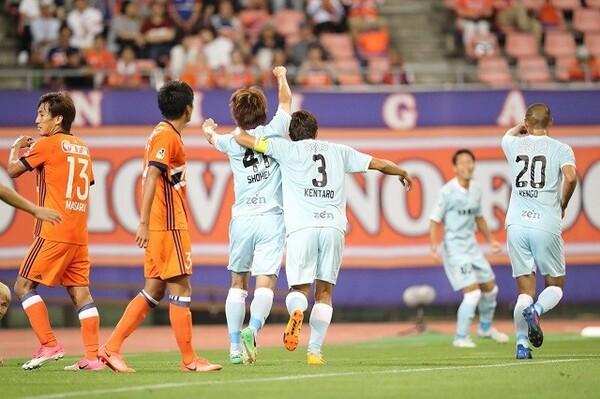 磐田戦に向けたトレーニングで現場のコミュニケーション不足が露呈した新潟。続く浦和戦にも敗れ、6連敗を喫した