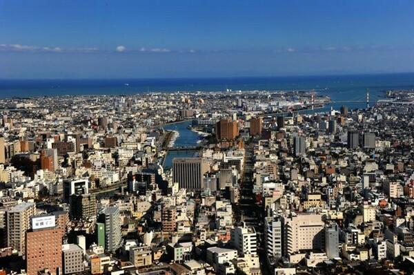 海と川に囲まれた徳島市。23年前、この街に「徳島にもJクラブを!」という機運が高まった