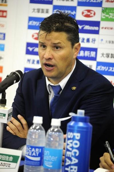 今季から徳島を率いるリカルド・ロドリゲス監督。日本文化への順応が早いともっぱらの評判だ