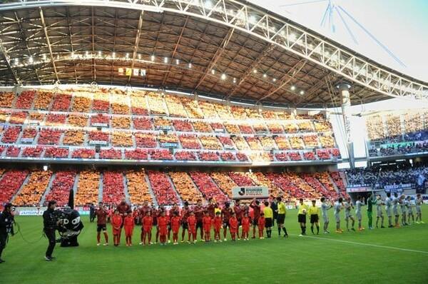 豊田スタジアムで行われたプレーオフ決勝。今季最後のJリーグ公式戦には3万7959人が詰め掛けた