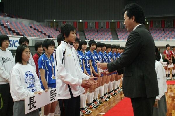 第25回大会で「JOC・JVAカップ」を受賞した古賀紗理那