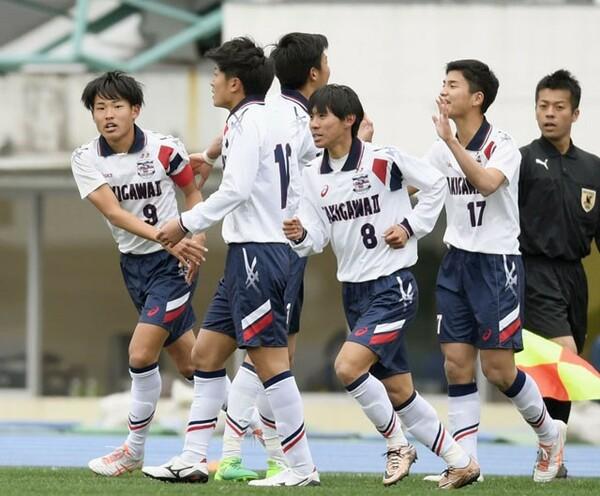 キャプテン稲田(9)のゴールなどで滝川第二が実践学園を2−0で下した