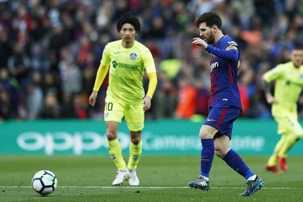 17節以降の6試合で勝ち点16を積み上げたアトレティコに対し、バルセロナは2試合で引き分けに終わり、勝ち点4を失った