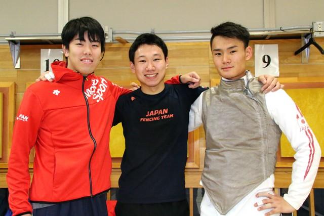 16年4月の世界ジュニアで日本勢団体初優勝を飾った(左から)敷根、西藤、松山