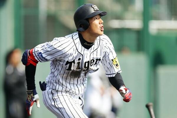 2016年は金本チルドレンとして高い身体能力を買われて1軍デビューした阪神・横田。将来を期待されたが、昨年2月に脳腫瘍と診断された。今年は育成選手からの復活を目指す
