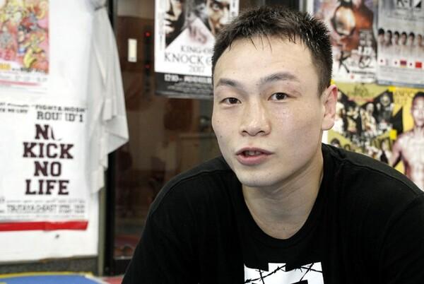 最初の挑戦者がタイの現役王者ながら「勝てないだろう」と思われる相手に勝利していきたいと話す