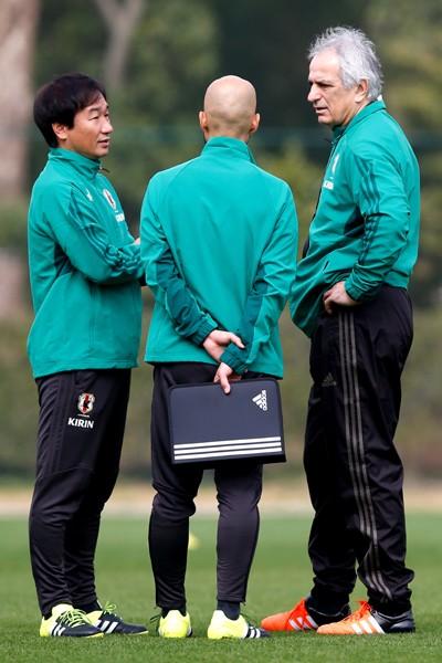 ザッケローニ、アギーレ、ハリルホジッチ(右端)、歴代代表監督に「見られて恥ずかしいサッカーはしたくない」と霜田