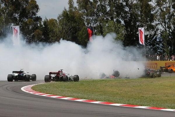 スペインGP決勝ではグロージャンのスピンでヒュルケンベルグとガスリーの3人がリタイア