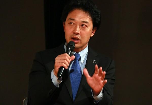 セブンズ総監督と男子代表のHCを兼任する岩渕氏が講演を行った