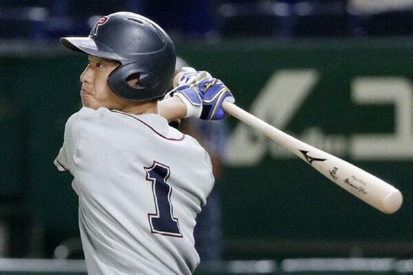今年のドラフトの上位候補として高い評価を得る立命館大・辰己。全日本大学選手権1回戦でも決勝打を含む3打数2安打2打点と結果を出した