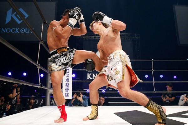 16年12月のワンチャローン・PK・センチャイムエタイジム戦では衝撃的な後ろ蹴りでノックアウトを奪った