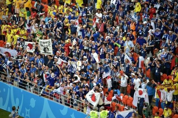 日本サポーターに歓喜をもたらしたのは、西野監督のチームマネジメントと采配と決断であった