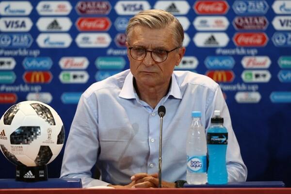 試合後の会見に臨んだナバウカ監督「なかなか苦しいW杯だった」と大会を振り返った