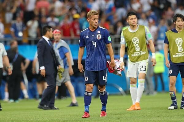 次のW杯を目指さないと明言した本田は、「優勝と言い続けるやつが次の代表を引っ張っていく」と後輩への期待を口にした