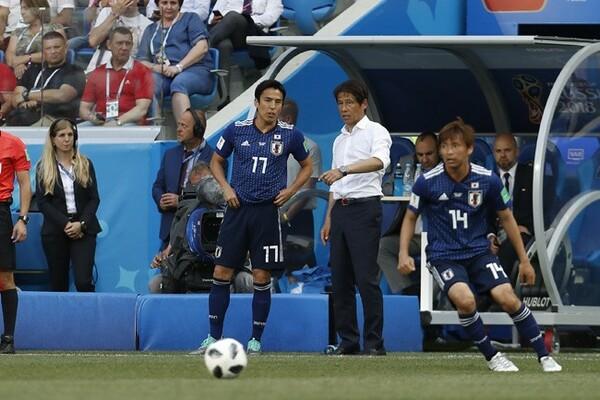 長谷部から代表引退の話を聞き、西野監督はねぎらいの言葉をかけた