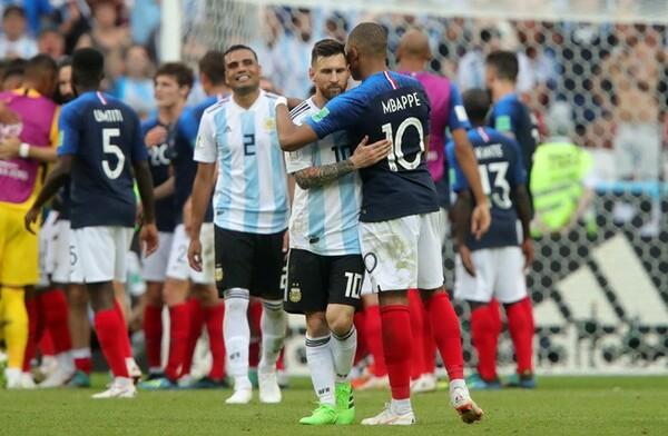 エムバペの快足を止められず、メッシとアルゼンチンは16強で終戦