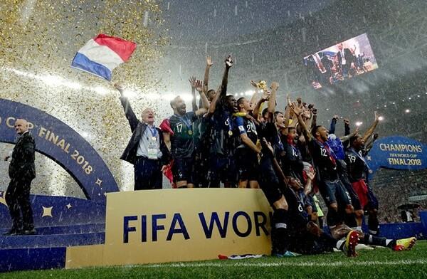 フランス代表がクロアチアを破り、20年ぶり2度目のW杯優勝を果たした