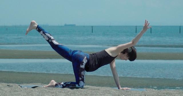 体幹作りにぴったり!インナーマッスルを強化するヨガに挑戦