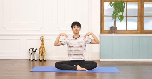 背中の引き締めに効果的な床バレエ